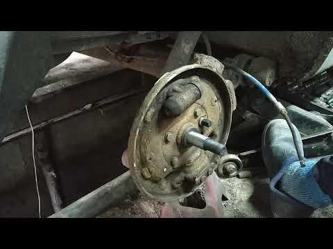 Рено Сценик - трос ручника и задние тормоза, ремонт.