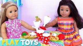 Дитячі ляльки готувати сніданок у ляльки кухня іграшки грати!