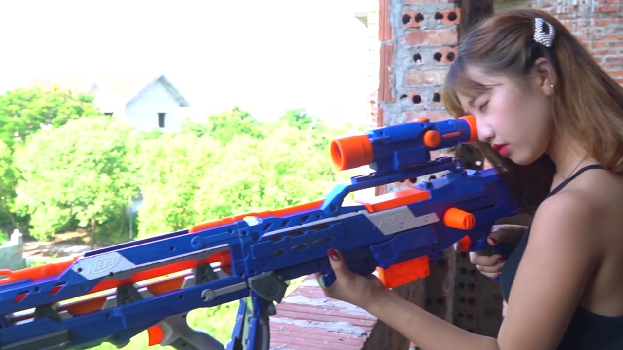XGirl Nerf War - Two Twin Sisters Nerf Guns Criminal Group Fight Girls trap 0