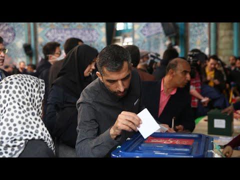 الانتخابات الإيرانية: المحافظون يتجهون للفوز في ظل نسبة مشاركة هي الأقل منذ 40 عاما  - نشر قبل 4 ساعة