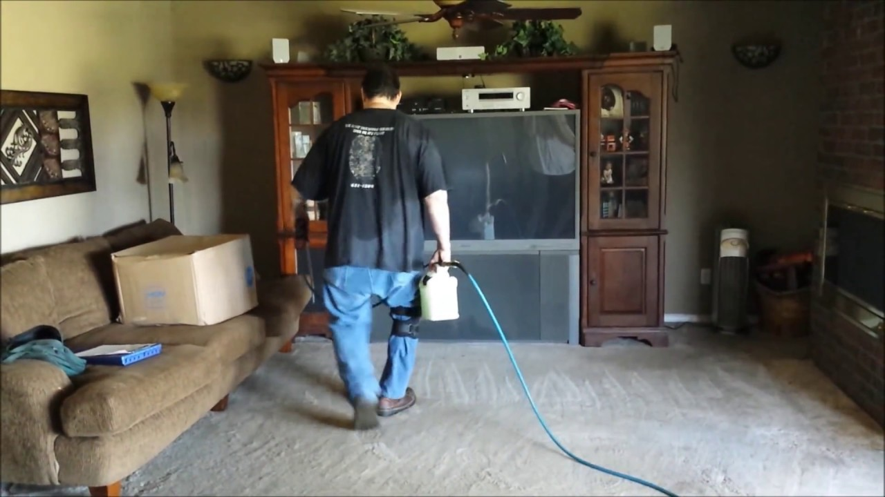 Using the Rotovac to do some Carpet Cleaning in Oklahoma City