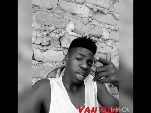 Rayvvany akitambulisha nyimbo yake