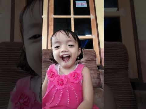 Gemes... Keponakanku Nyanyi Lagu Ulang Tahun Bahasa Korea