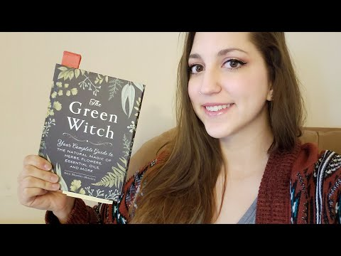 WITCHY BOOK CLUB – Green Witch // Chapters 1-2