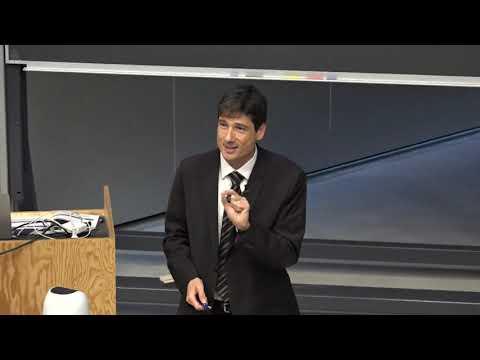 Cours de mathématiques avec le professeur John Cagnol [1/3]