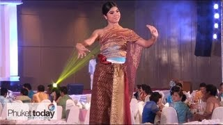 Thai Silk Fashion Show at Phuket's Rajaphat University