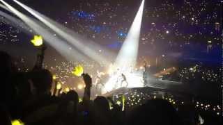Video [Fancam] BigBang Alive Tour 2012 London (Fantastic Baby) download MP3, 3GP, MP4, WEBM, AVI, FLV Juli 2018