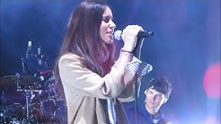 Vampire Weekend and Danielle Haim performing Hold You Now 10.02.19