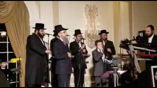 Child soloist green  avrum fried  shira choir  freilach  singing sharei dmuois ילד הפלא ואברהם פריד