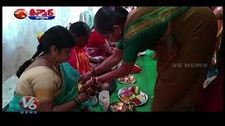 Huge Devotees Rush in Temples   Sravana Masam   Teenmaar News  Telugu News