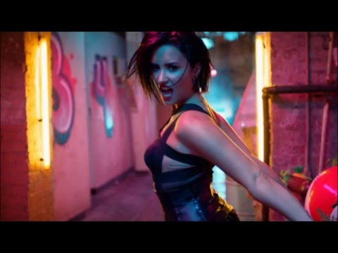 Demi Lovato - Cool For The Summer (Instrumental com Back Vocal)