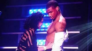 Fan kisses Trey Songz chest on Anticipation 2our at Oakland Paramount Theatre.1/2  [HD] thumbnail
