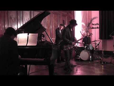 Alex Mathias plays John Coltrane - Syeeda's Song Flute