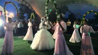 Шикарный свадебный танец