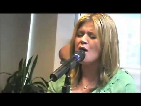 Kelly Clarkson - Already Gone (Live Performance)