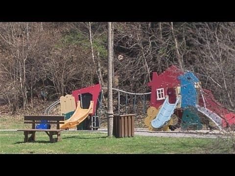 Place gelées en garderie: le gouvernement Couillard recule