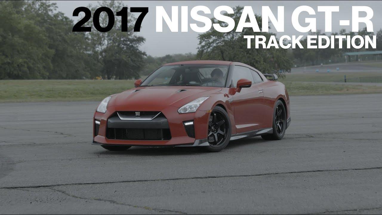 Nissan Gt R Track Edition Hot Lap At Vir Lightning Lap 2017 Car And Driver
