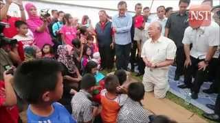 Najib inspects damage caused by Sabah quake