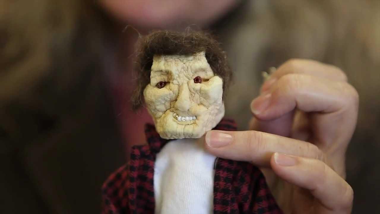 Vincent Price Shrunken Apple Head Sculpture Youtube