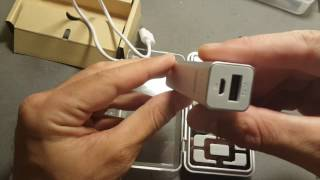 BlitzWolf® BW-P2 3350mAh Mini Portable Power Bank unboxing and review (from banggood.com)