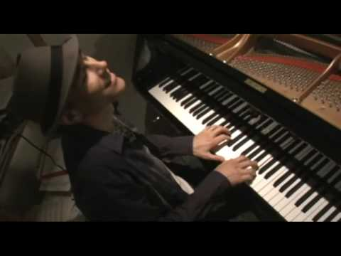 Gregg Karukas Profile / Music Video    Smooth Jazz Keyboard