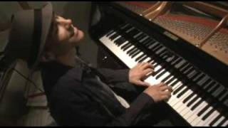Gregg Karukas Profile / Music Video    Smooth Jazz Keyboard(Click HQ for better sound . Music Video with interview, comments. The composer/keyboardist talks a bit about his new CD