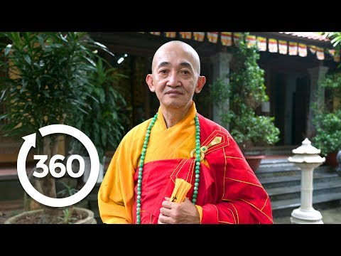 Meditate with a Buddhist Monk | Hanoi, Vietnam 360 VR Video | Discovery TRVLR