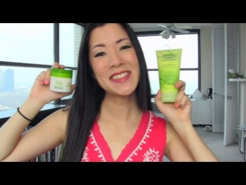 Simple Skincare Review!! ♥ Smoothing Facial Scrub & Night Cream!