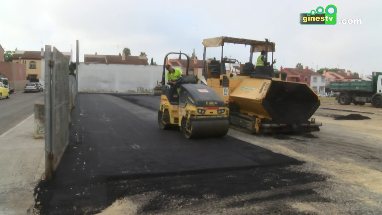El aparcamiento público del Centro de Salud de Gines estrena nuevo asfaltado