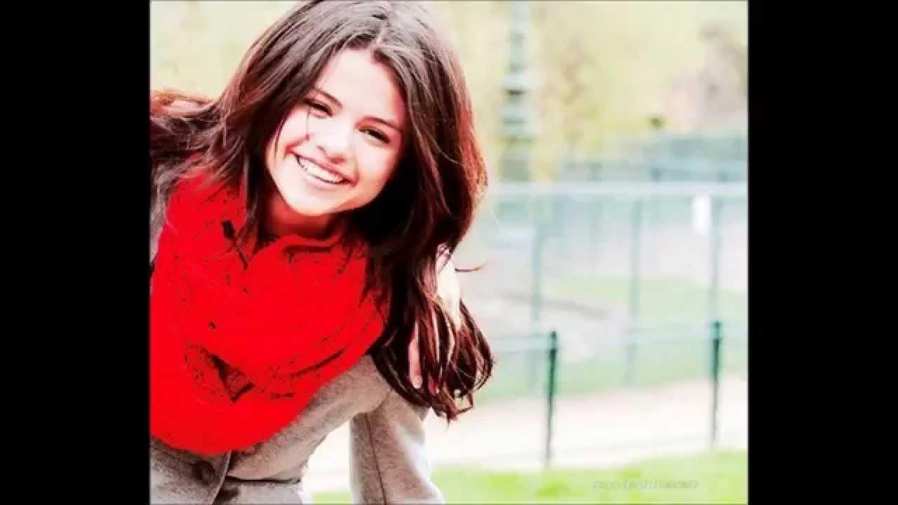 Selena Gomez Vs Miley Cyrus 2013 - Youtube-6436