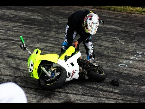 Scooter Stunt Gilera Runner 70 Wheelie Crash Jordan Bailey
