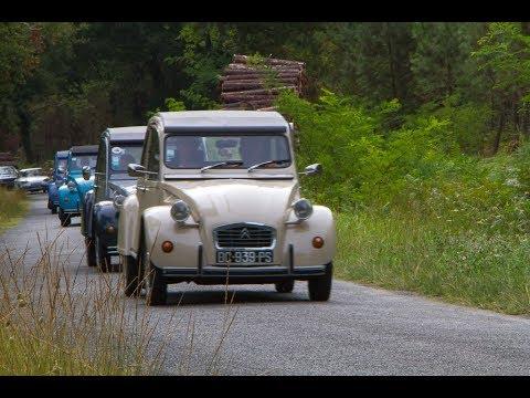 Rassemblement vieilles voitures Cours les Bains
