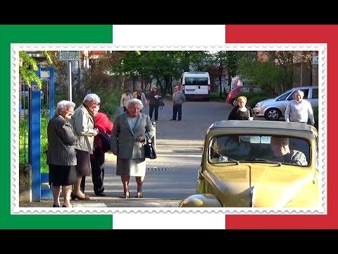 Курно Прогулка Италия Весна в Разгаре Curno Bergamo Italia Отдых и жизнь в Италии
