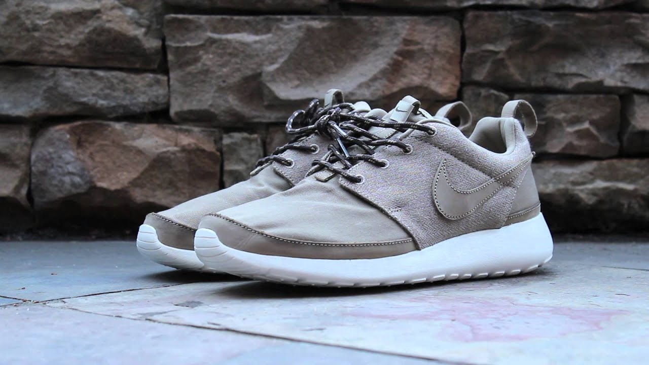 d374ba353043 Review - Roshe Run Premium NRG - Khaki - YouTube