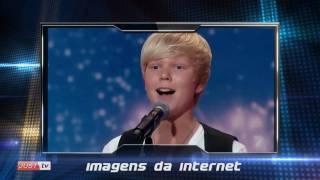 Garoto de 14 anos canta Whitney Houston em show de talentos e Faustão ERRA e pronuncia Justin BIBA