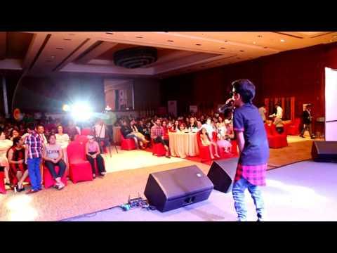 Noddy Khan singing at Royal marquee new Delhi