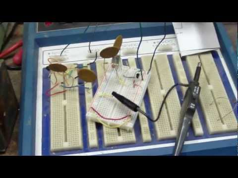 7.16Mhz Colpitts oscillator breadboard