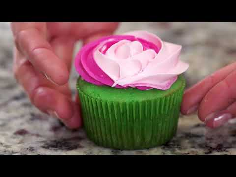 Cupcake Icing Techniques | Bluprint | Michaels