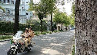 """CSGT mở đường cho đoàn Lào có xe """"mù"""" khóa đuôi cực chất - Best police escorting in September"""