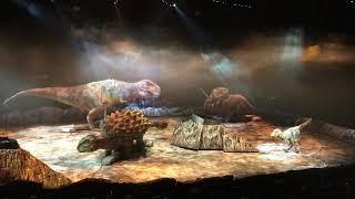 На шоу динозавров