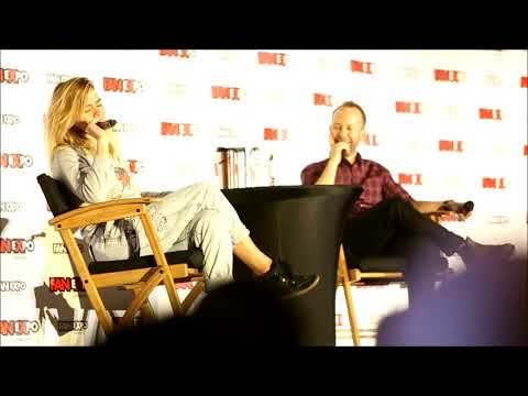 Billie Piper  funny things at Expo Canada 2017.