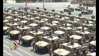 بالفيديو.. القوات المسلحة تنتشر لتأمين فرحة المصريين بقناة السويس الجديدة