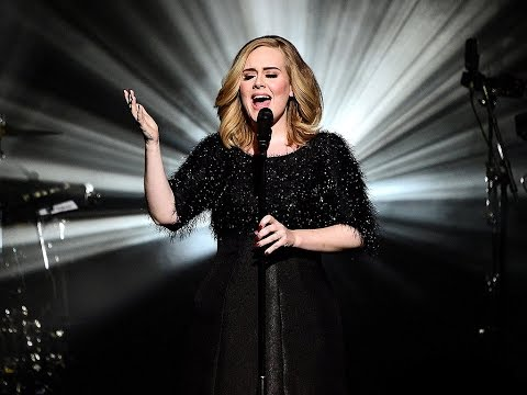 ADELE performs EPIC concert in Seattle (2016)