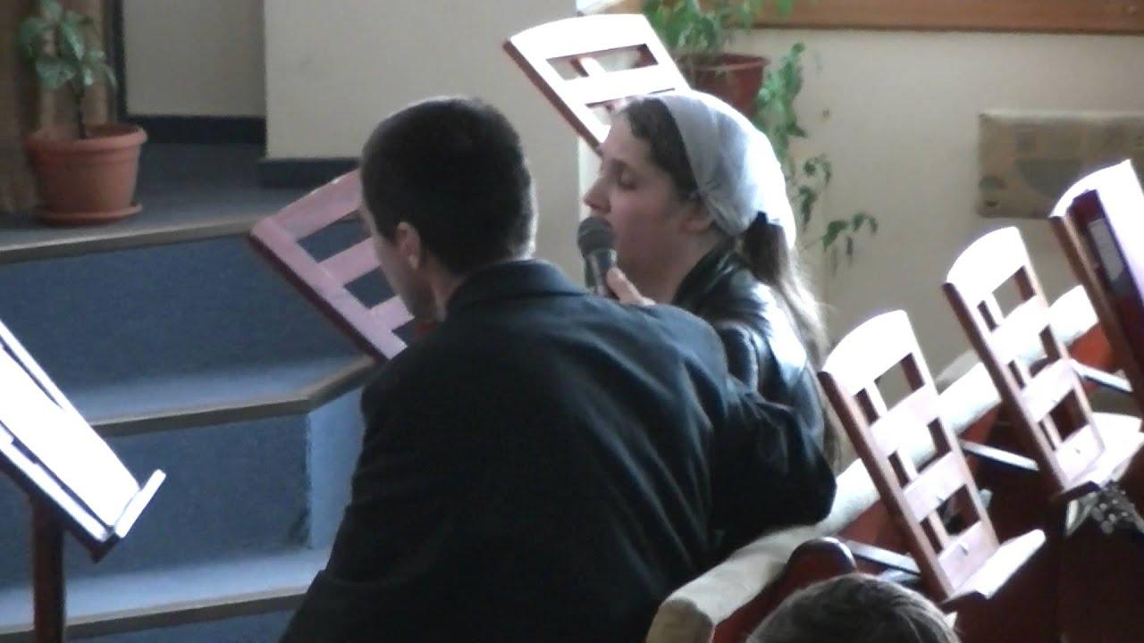 Sora Corina - Cand cobori in adunare, ne prosternem la pamant