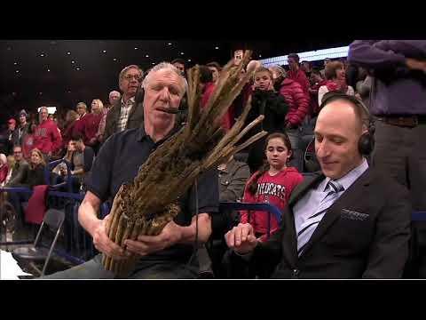 Bill Walton gives Dave Pasch a weird gift   ESPN