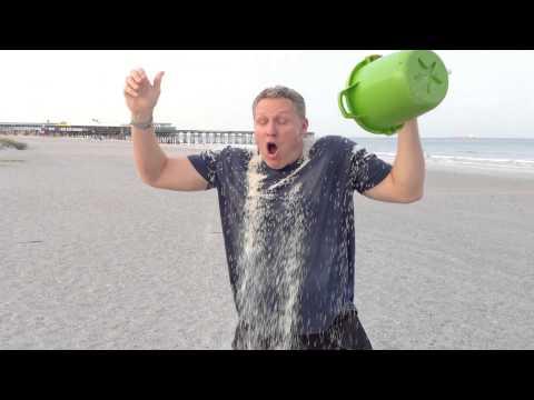 Guy does Rice Bucket Challenge instead of Ice Bucket Challenge