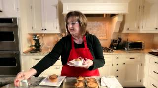 An Ode to Miss Jo and Her Whipping Cream Pound Cake