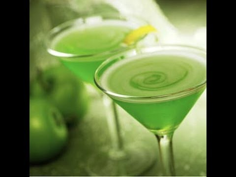 How To Make A Sour Apple Martini