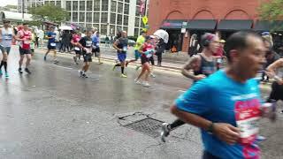 Chicago marathon (Kevin Hart running)