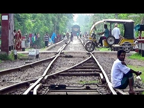 Canada Made MLW Rsd 34 (Broadguage) Attack Benapole Commuter Train of Bangladesh Railway.